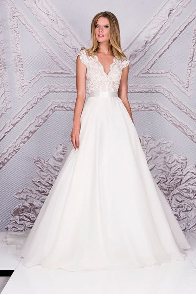 Suzanne Neville Wedding Dress