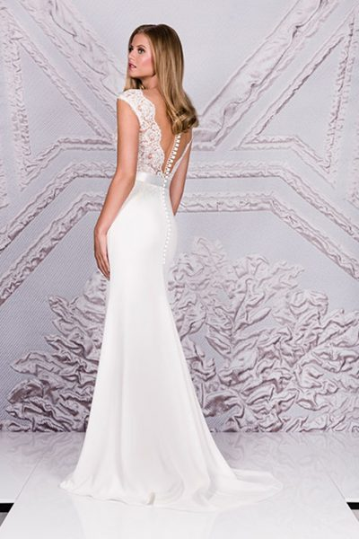 The Dress Suzanne Neville